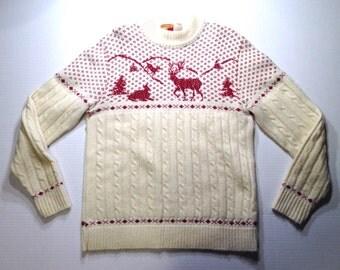 Cute 1970's reindeer sweater, fits like a medium