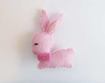 Retro style pink bunny brooch - wool felt bunny pin -  rabbit pinback - bunny lapel pin - in stock and ready to ship