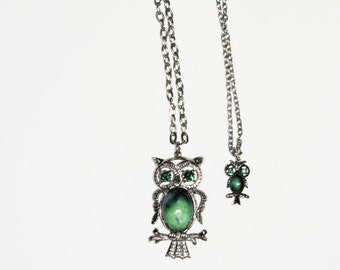 Vintage 70s Owl Necklace Silver Tone Metal Green Glass Eyes Green Ceramic Belly Hippie Chain Jewelry