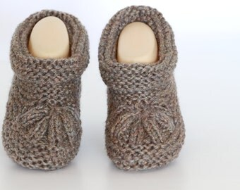 Knitting pattern slippers for adult