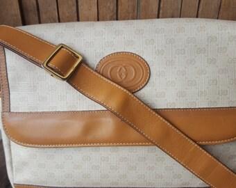 GUCCI    ///    Satchel Crossbody Bag