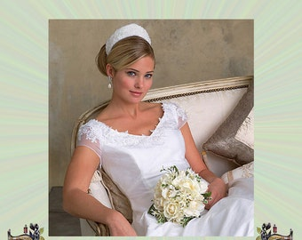 Vogue Bridal Gown with Train and Sweetheart Neckline, Floor Length Wedding Dress Pattern, Size 6-8-10 , Bust 30-31-32, Sewing Pattern 2788