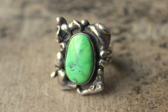 Navajo RING / Size 6 / Lime Green Southwest Jewelry / Vintage Sterling Silver Ring