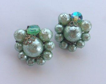 Green vintage cluster beaded clip on earrings