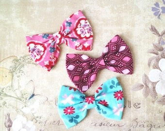 Girls bow, tiny hair clip, smail bows, pastel blythe bow. Blythe doll accessories. Flowers print. Doll bows. Prop, Photographer