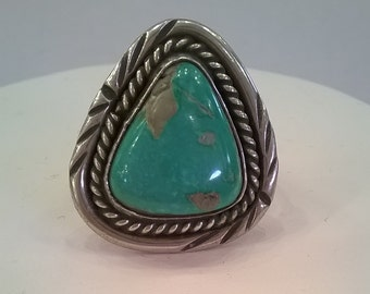 Vintage Turquoise and Sterling Silver Ring - Size 6 1/2 -  Native American Western Southwestern Style Finger Ring