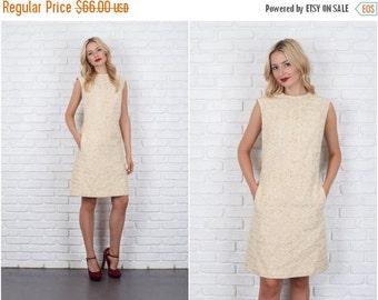 ON SALE Vintage 60s Cream Shift Dress Woven Sleeveless mod Medium m 5962 vintage dress cream dress 60s dress mod dress medium dress