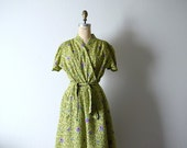 1940s wrap house dress . vintage 40s dressing gown