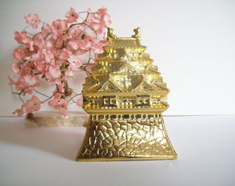 Gold Pagoda Figurine, Vintage Statue, Porcelain, Chinoiserie Chic, Asian Decor
