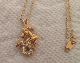 Vintage AVON Goldtone Capricorn Symbol Necklace / Pendant / Zodiac Jewelry