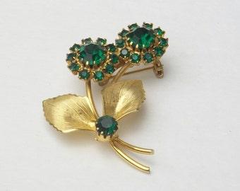 Emerald Green Rhinestone Gold Leaf Flower Bouquet Vintage Mid Century Glamour Costume Jewelry Brooch Pin