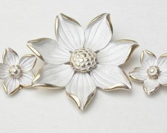 Designer Pastelli Signed Costume Jewelry White Enamel Bold Flower Vintage Demi Parure 1960s Mid Century Mad Men Brooch Earrings Gift For Her