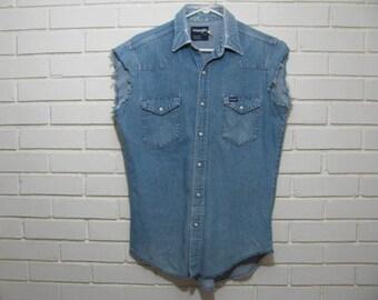 Genuine Cowboy worn Wrangler denim shirt size 15 33 M