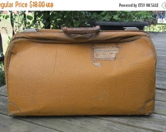 ON SALE Caramel Leather Luggage