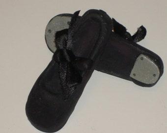 Gumpaste Dance Tap Shoes / Shoes Cake Topper