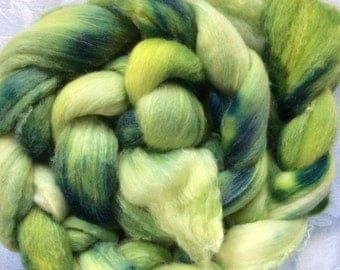 "Polwarth/Silk roving/top - ""Orchard Grass"" - Hearthside Fibers"