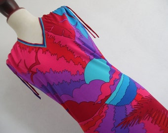 SALE :) ITALY .  The Sunrise . Stunning Colors Midi Dress 70s Matching Tie Belt