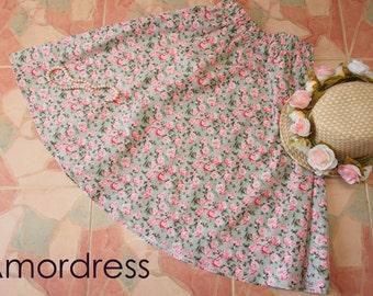 """Garden Skirt Beach Skirt / Green Floral Skirt / Wonderland /Floral Midi Skirt / Mid Skirt / Vintage Skirt / Sweet Skirt- Waist 26""""-28"""""""