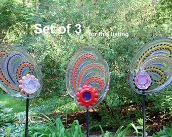 SET of 3 Glass Garden Flowers, Yard Sun Catcher, Garden Yard Art and outdoor Garden sun catcher with recycled glass