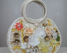 25% Off Summer Sale.... Vintage 1960s Handbag with Silk Flowers and Seashells  Cute 60s Straw Purse