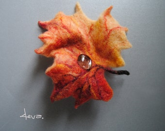 Felt flower brooch. Maple leaf. Felt flower pin. Needle felted wool brooch. Felt brooch.Felted gift