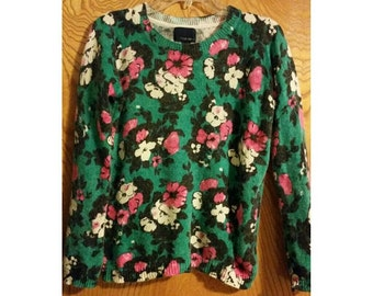 SALE Green Floral Top/Sweater - Size Small (2 for 15 dollars deal)