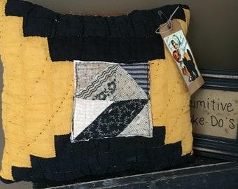 Very Primitive Olde Quilt Halloween Pillow~ Pumpkin vintage Quilt Pillow Tuck~ Primitive Cheddar & Black~Fall~ Autumn-Happy Halloween