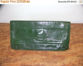 25% OFF SALE Bottenga Veneta vintage large leather 40s style envelope type hunter green clutch purse