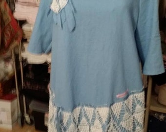 Blue linen with doilies Size 16