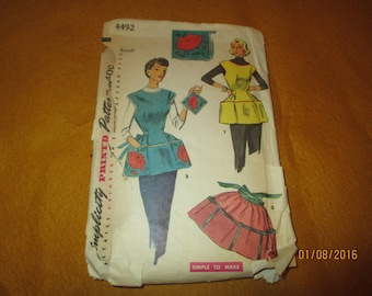 Vintage 1950's Apron Pattern with matching Pot Holder