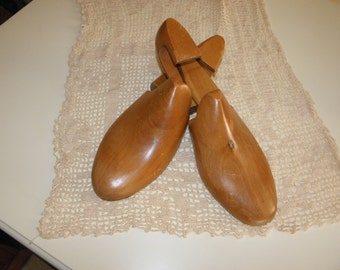 AntiqueSolid  Wood Shoe Trees, by Rochester She Tree Co. Made in USA, size 7C