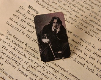 Oscar Wilde lapel pin brooch literary gift