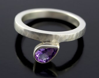 Pear Shape Amethyst Ring. Offset, Teardrop Purple Amethyst Ring in Satin Finish Sterling Silver with Hammered Texture - CS1508