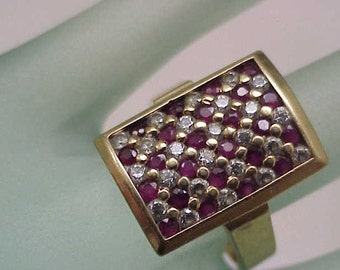 Amazing Estate Vintage 14k Yellow Gold 1.50carats Diamonds and Rubies Ring, 1950s