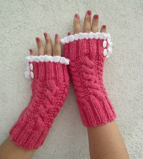 Lace Mittens Knitting Pattern : KNITTING PATTERN Mittens Grace and Lace Knit mittens