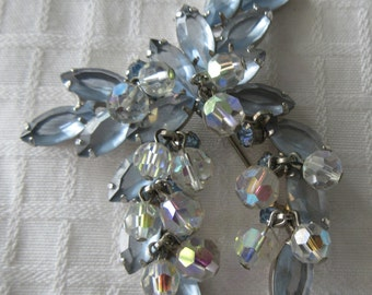 Vintage~Large~Blue Frosted / Aurora Borealis / Light Blue Rhinestone~Articulating BROOCH~Must See
