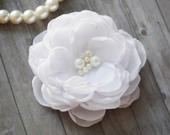 White, Bridal Flower Hair Clip, Wedding Hair Flower, Hair Piece, Bridesmaid Hair Accessories, Flower for Hair, Flower Girl, Woman HairClip