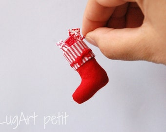 Christmas stocking for your dollhouse