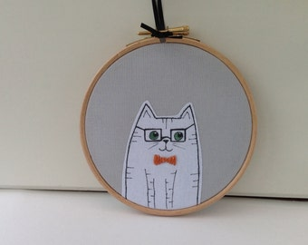 White cat hoop art. Cat wall art. Cat in a bow tie