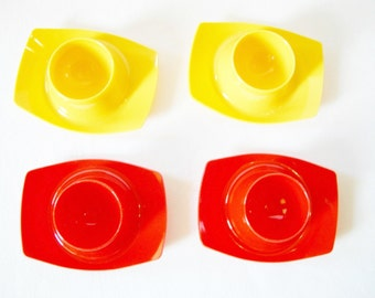 Set of 4 Pieces Gerda West German Vintage Easter Retro Egg Cups from the 70ies stackable