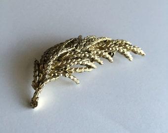 Vintage Brooch Gold Tone