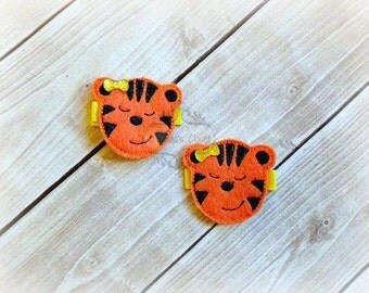 Tiger Hair Clip Sleeping Tiger Hair Clippie Pick one or two. Pick Left side or Right.