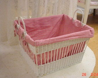 French Basket Farmhouse Country Red Checked Liner Picnic Bedding Storage