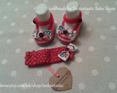 1 Set 'Cat in the Hat' Hand Knitted Baby Shoes and Headband - Girl - 3-6 month size only - Made by Tootsietastic - READY TO SHIP