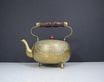 Vintage Brass Teapot // Footed with Etched Floral Design, Indian Mid-Century Classy Kitchen Dining Room Decor Flowers Gold Holiday Serving