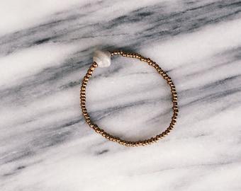 Bracelet de perles gris clair