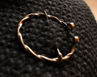 Twisted Bigger Fibula, penannular brooch, scarf pin, viking