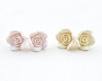 1 pair of Ivory Rose Stud Earrings, White Rose Post Earrings, Flower Stud earrings, Flower Earrings, bridal Earrings, bridesmaid Earrings.