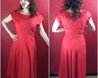 1950s Coral Red Linen Dress Floral Eyelet Neckline Large