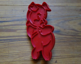 Vintage Cookie Cutter, Porky Pig, Red, Plastic, Bakeware, Looney Tunes, Cartoon Character, Food Crafting and Supplies, Pigs, Cookies, Baking